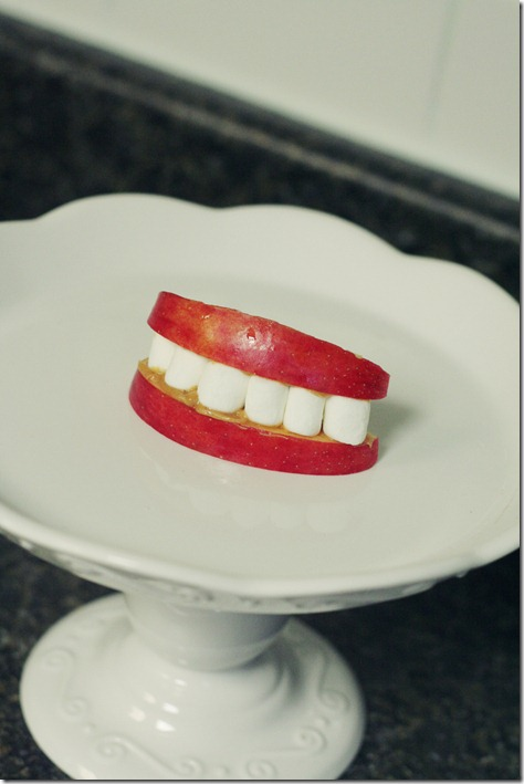 Halloween Teeth Snack 002 P