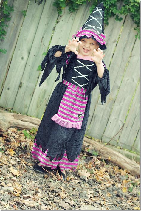 Halloween Costumes  2010 044 Edit