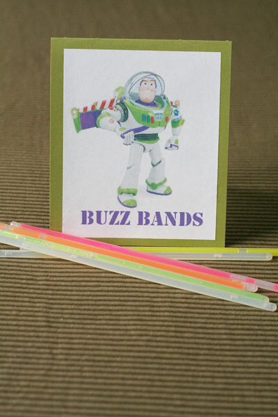 Buzz Bands 400x600